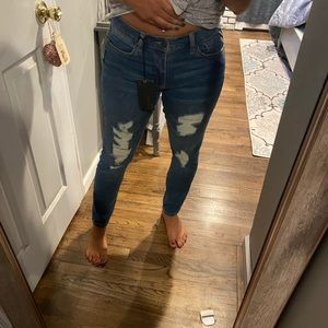 REFUGE SKINNY BOYFRIEND RIPPED JEANS NEW WITH TAGS